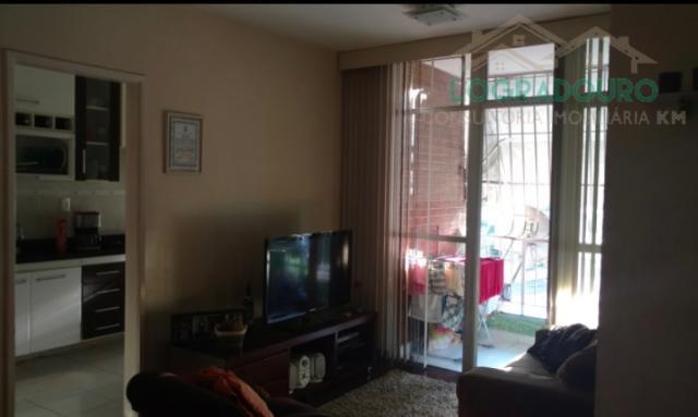 apartamento localizado no fonseca com 2 quartos com armários, sala, varanda, banheiro com armário e pastilha,...