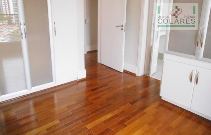 excelente apartamento, repleto de armários modernos e claros, papel de parede da moda, cozinha planejada, pronto...