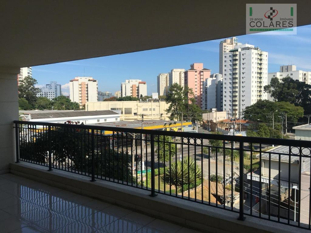 alto da boa vista, em condomínio clássico francês, apartamento com uma vista linda para o por...