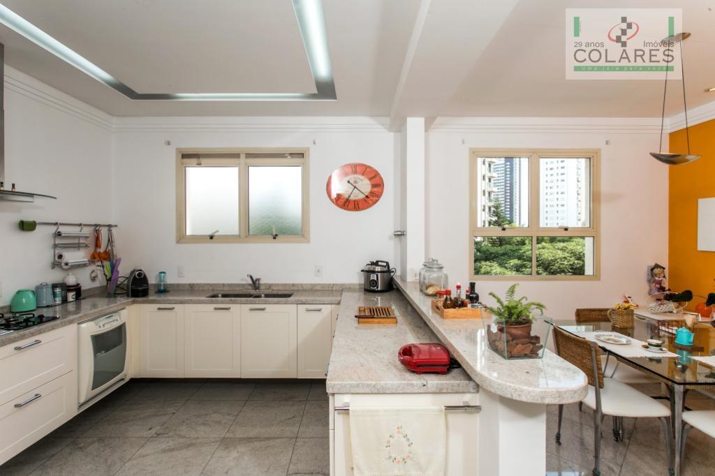 apartamento de alto padrão, 315m², 6 vagas, deposito, 4 suítes, sendo 1 master com closet, banheiros...