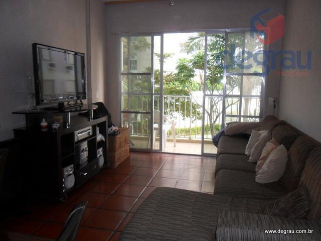 Apartamento 1 dormitório, sala com sacada e garagem.