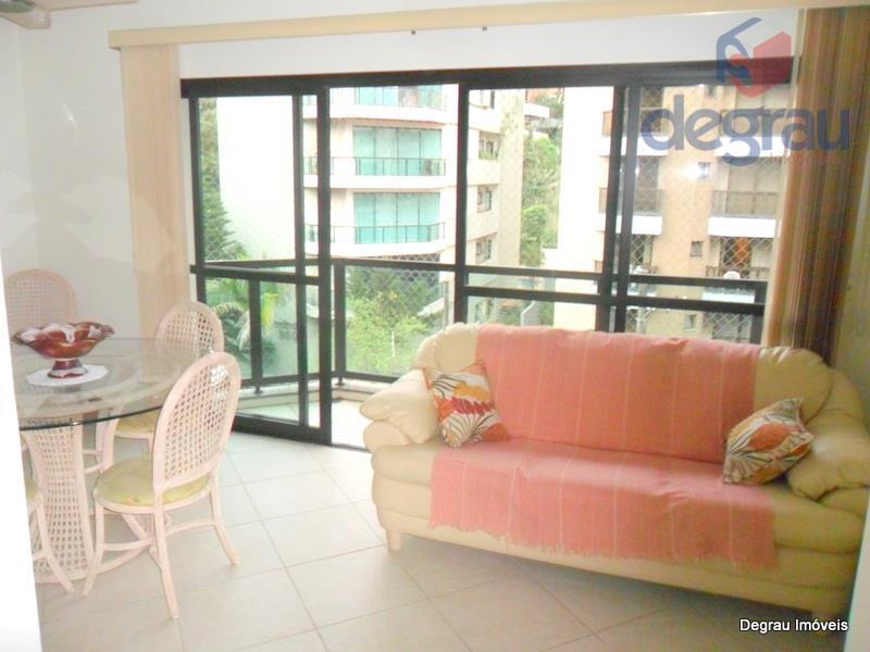 Excelente apartamento de 3 dormitórios, 200 metros da praia, atrás do Casa Grande Hotel.