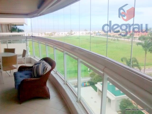 Praia da Enseada, apartamento de alto padrão Spa & Home Resort com vista para o mar.