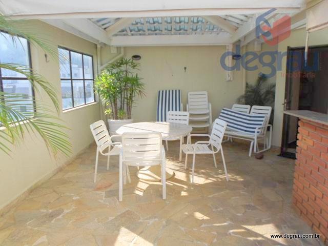 Enseada, cobertura penthouse, terraço com piscina e churrasqueira.