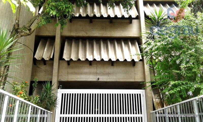 Garagem em Pitangueiras