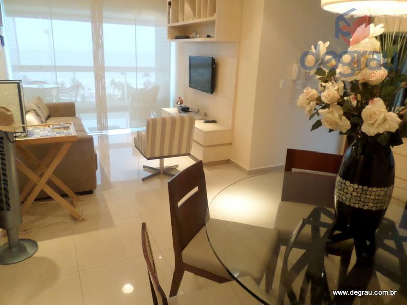 Apartamento com vista total para o mar