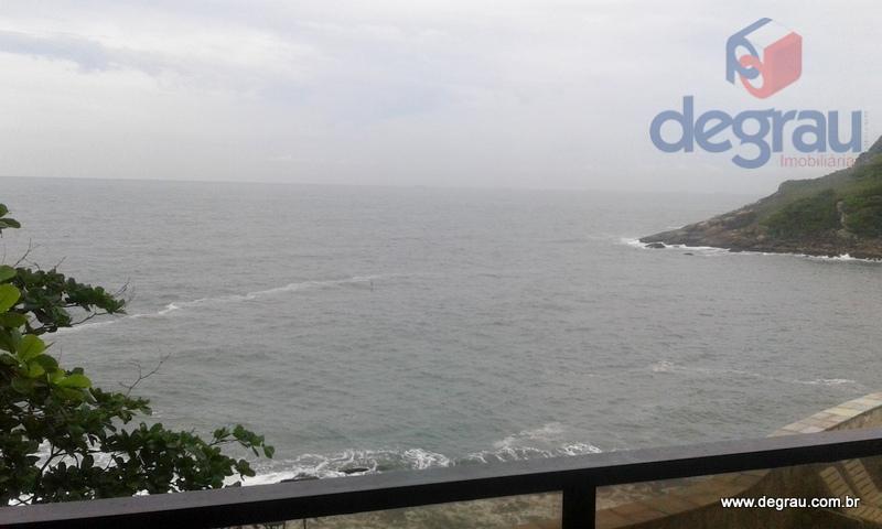Apartamento com vista para o mar