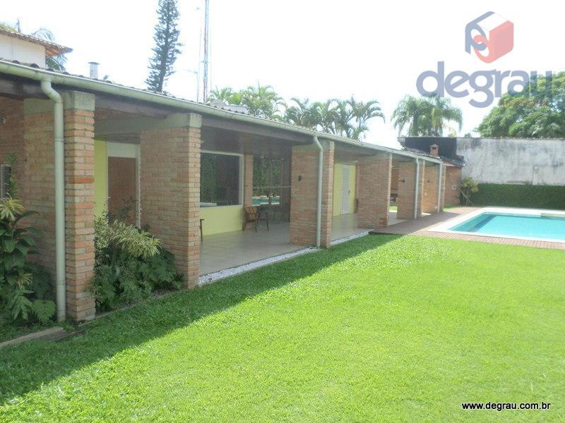 Casa na praia do Pernambuco para locação anual.