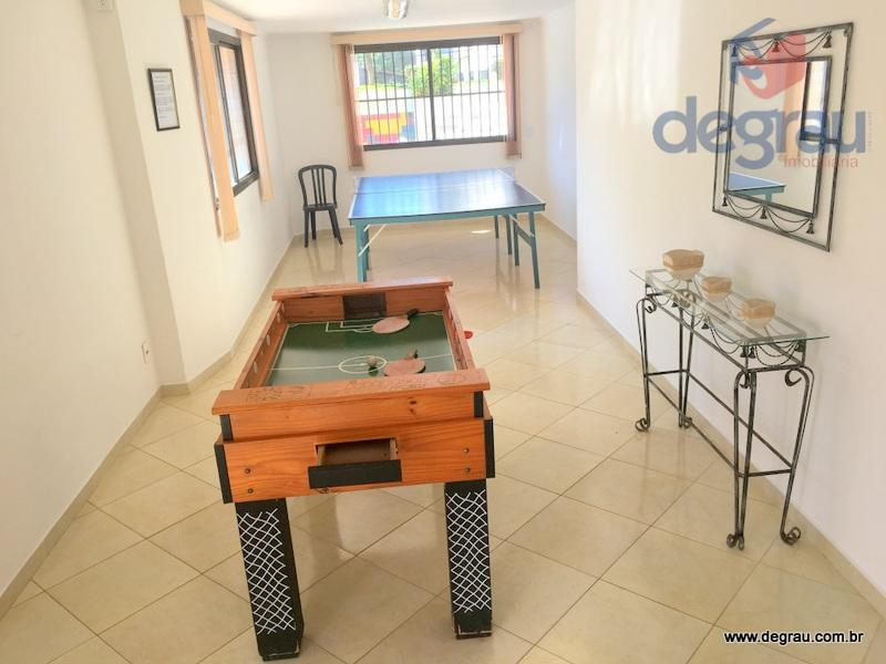 Excelente apartamento com 2 dormitórios, lazer, 200 metros da praia.