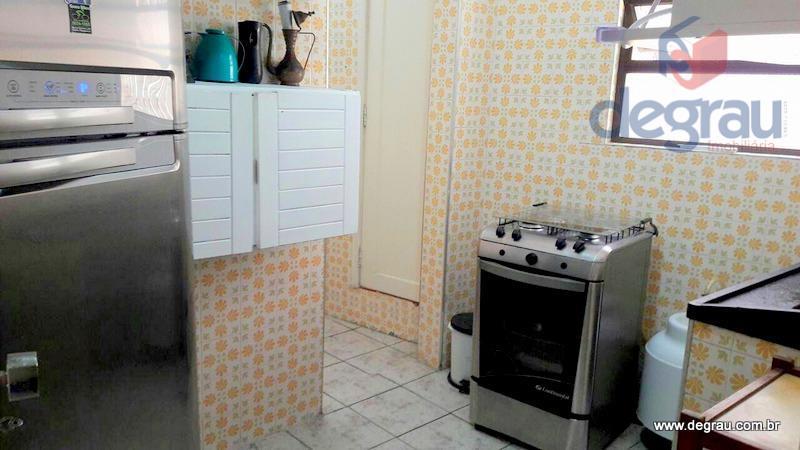 Apartamento 1 dormitório, sem garagem, 180 metros da praia na Região dos Hotéis.