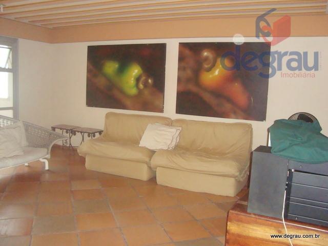 Pitangueiras, 100 metros da praia, 4 dormitórios (1 suíte), 189 m² de área útil.
