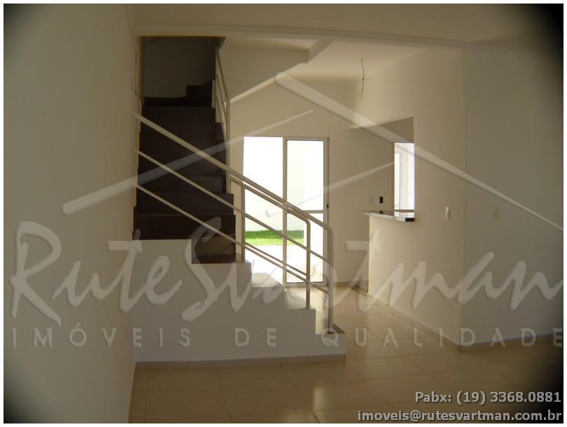 sobrado novo dentro de condomínio em excelente localização, sendo:sala para 2 ambientes;cozinha americana;lavabo;área de serviço com...