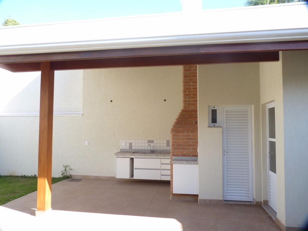 excelente casa térrea com pé direito alto - condomínio figueira branca - 3 suites.distribuição interna: sala...