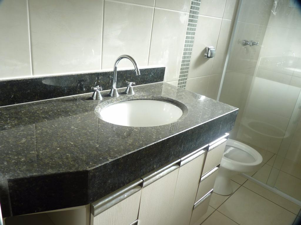 excelente casa térrea - condomínio manacás - 3 suites. distribuição interna: sala para 2 ambientes; lavabo;...