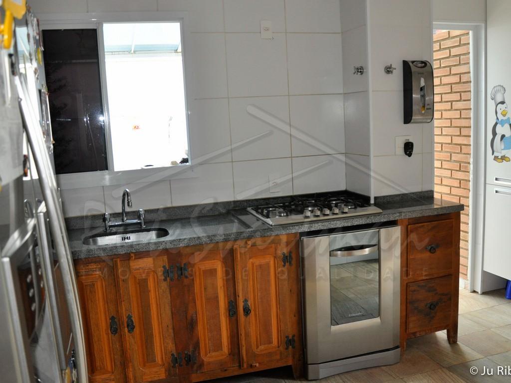 sobrado em condomínio - barão geraldosobrado com 3 dormitórios e a/e sendo 1 suíte, sala 2...