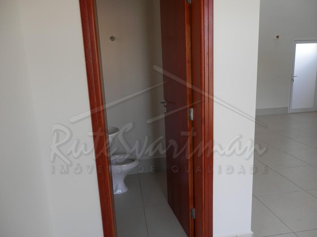 sobrado em condomínio - paulíniasobrado com 4 dormitórios sendo 3 com a/e e 1 suíte, sala...