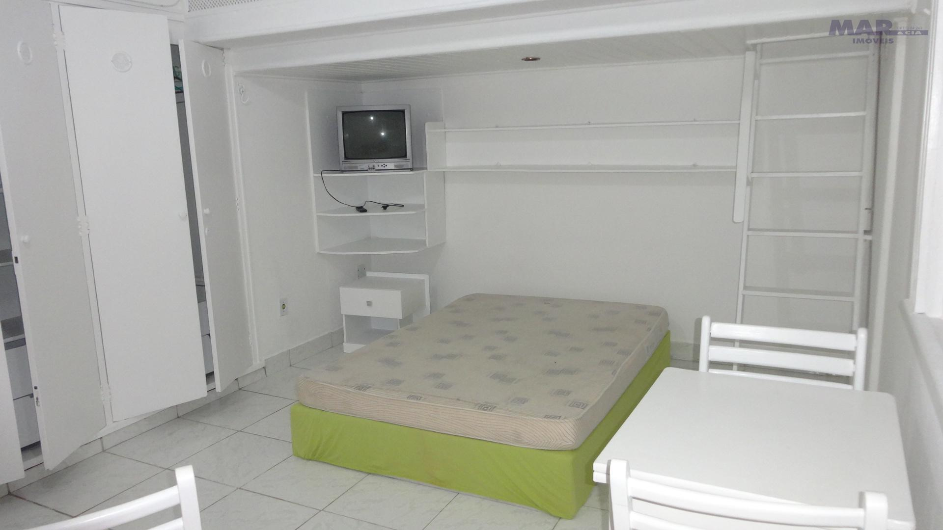 Kitnet residencial para locação, Praia das Pitangueiras, Guarujá.