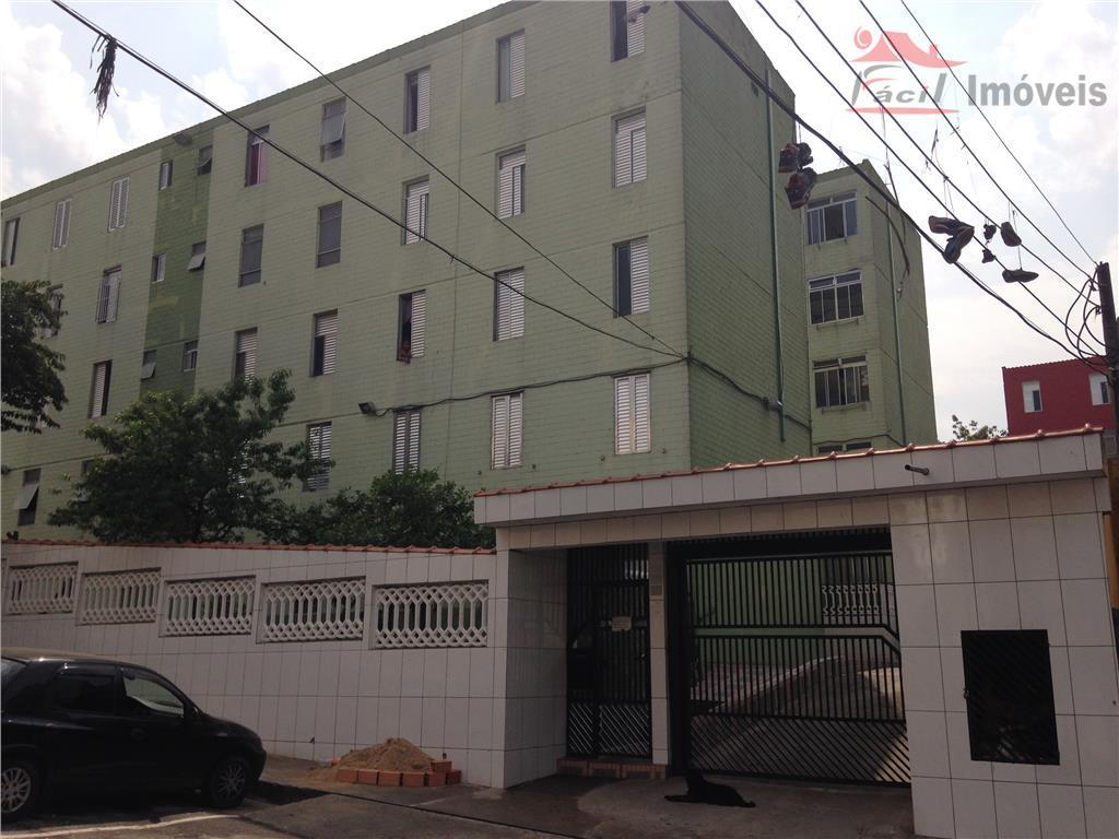 Apartamento médio | Conj. José Bonifácio, São Paulo.