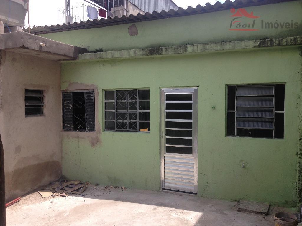 Casa independente 3 cômodos c/ garagem | Vila Taquari, São Paulo - CA0181.