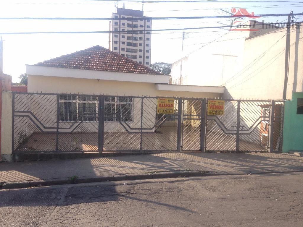 Casa com amplo terreno | Vila Santana, São Paulo.