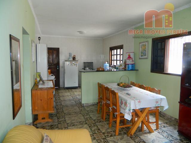 casa em peruíbe, localizada a menos de 1300m da praia e 6km do centro. edificada em...