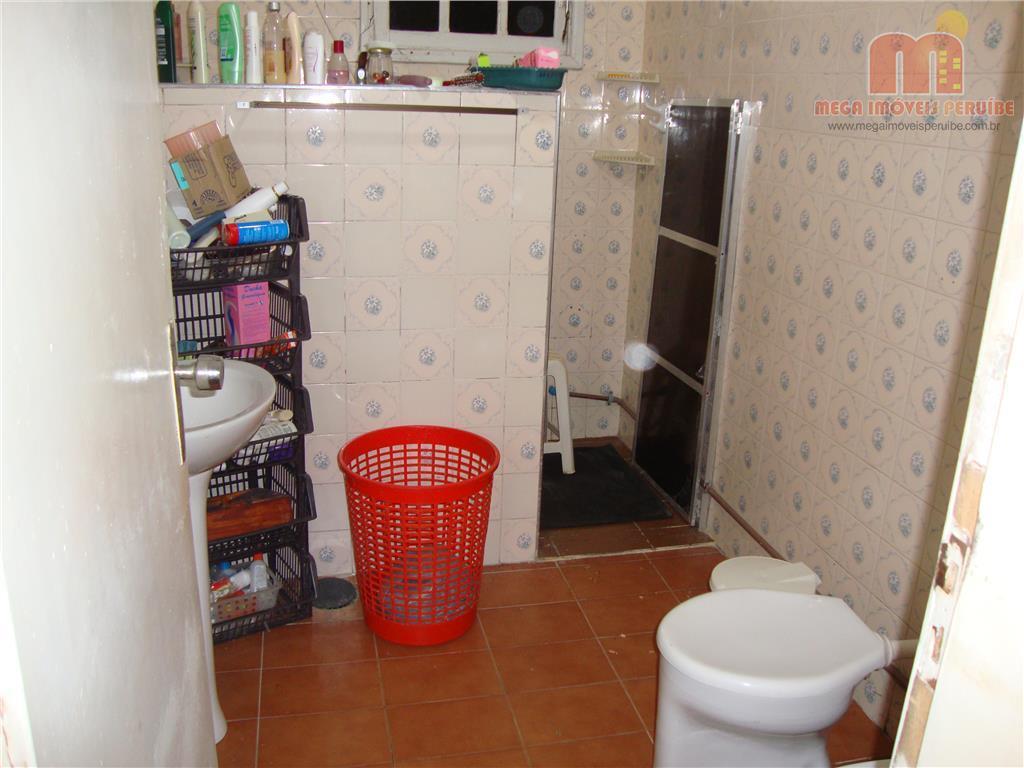 casa em peruíbe, com 3 dormitórios, sendo 1 suíte, sala para 2 ambientes, lavabo, 2 wcs,...