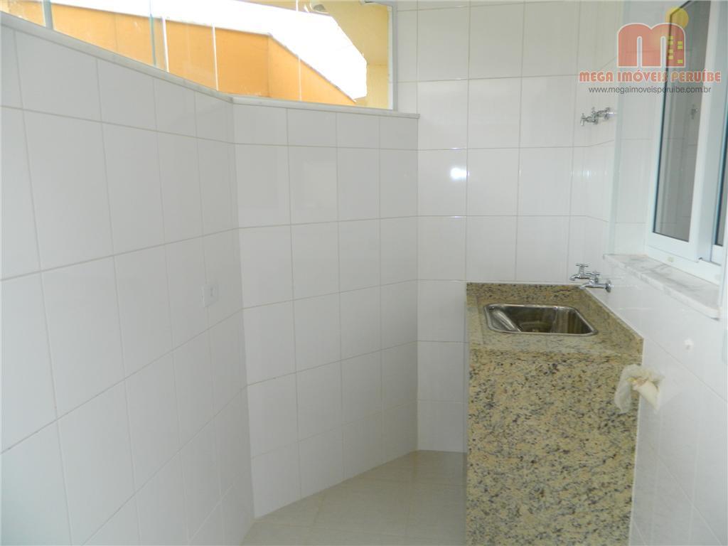casa em peruibe, em residencial fechado com segurança e portaria 24hs, amplo espaço de lazer, com...