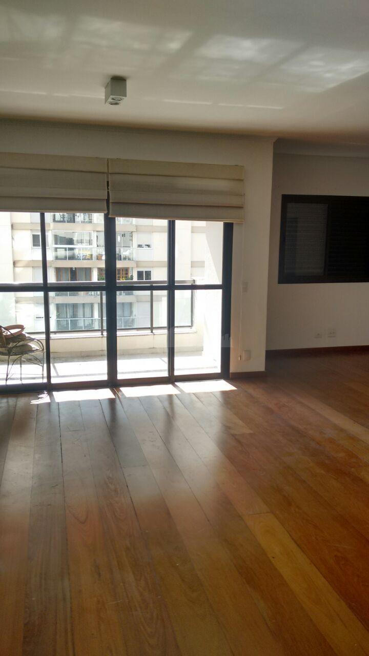 Apartamento com 108m² 2 dormitórios sendo 1 suíte na Vila Nova Conceição