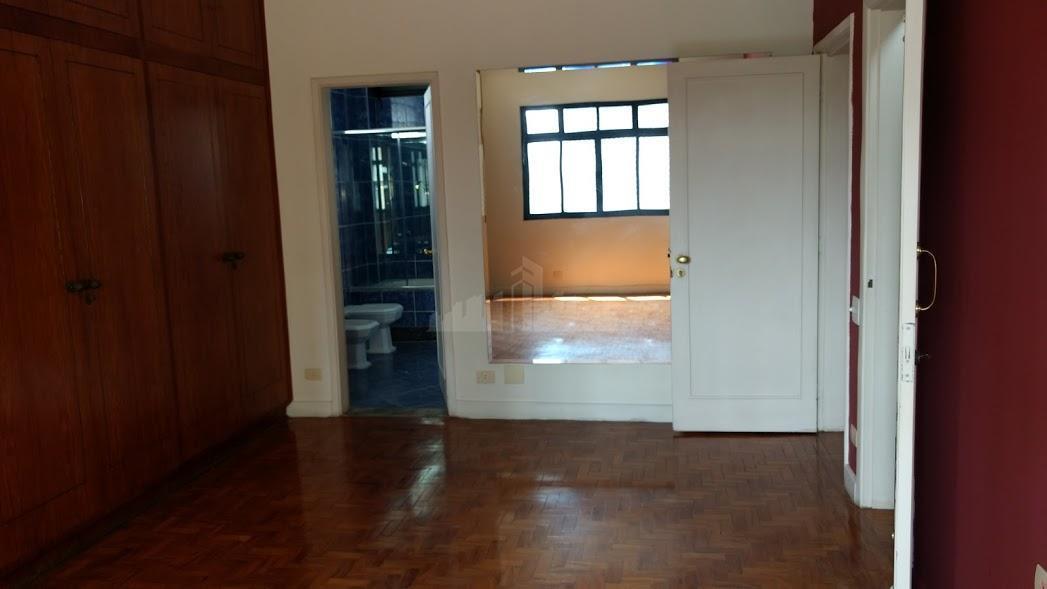 apartamento de 4 quartos( 1 suíte com hidromassagem, 2 boxes e 2 closet ), armários embutidos,...