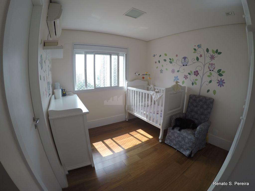 brooklin a venda - 138m2 - 02 suítes, uma delas com 02 closets, sala aumentada, varanda...