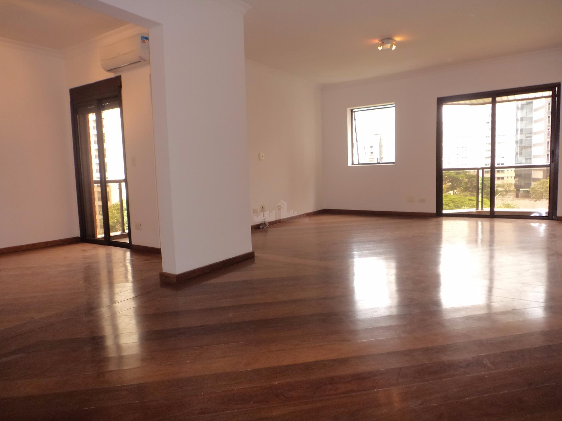 Apartamento com 123 metros de área útil com salas 2 suítes área nobre SP 2 vagas + depósito