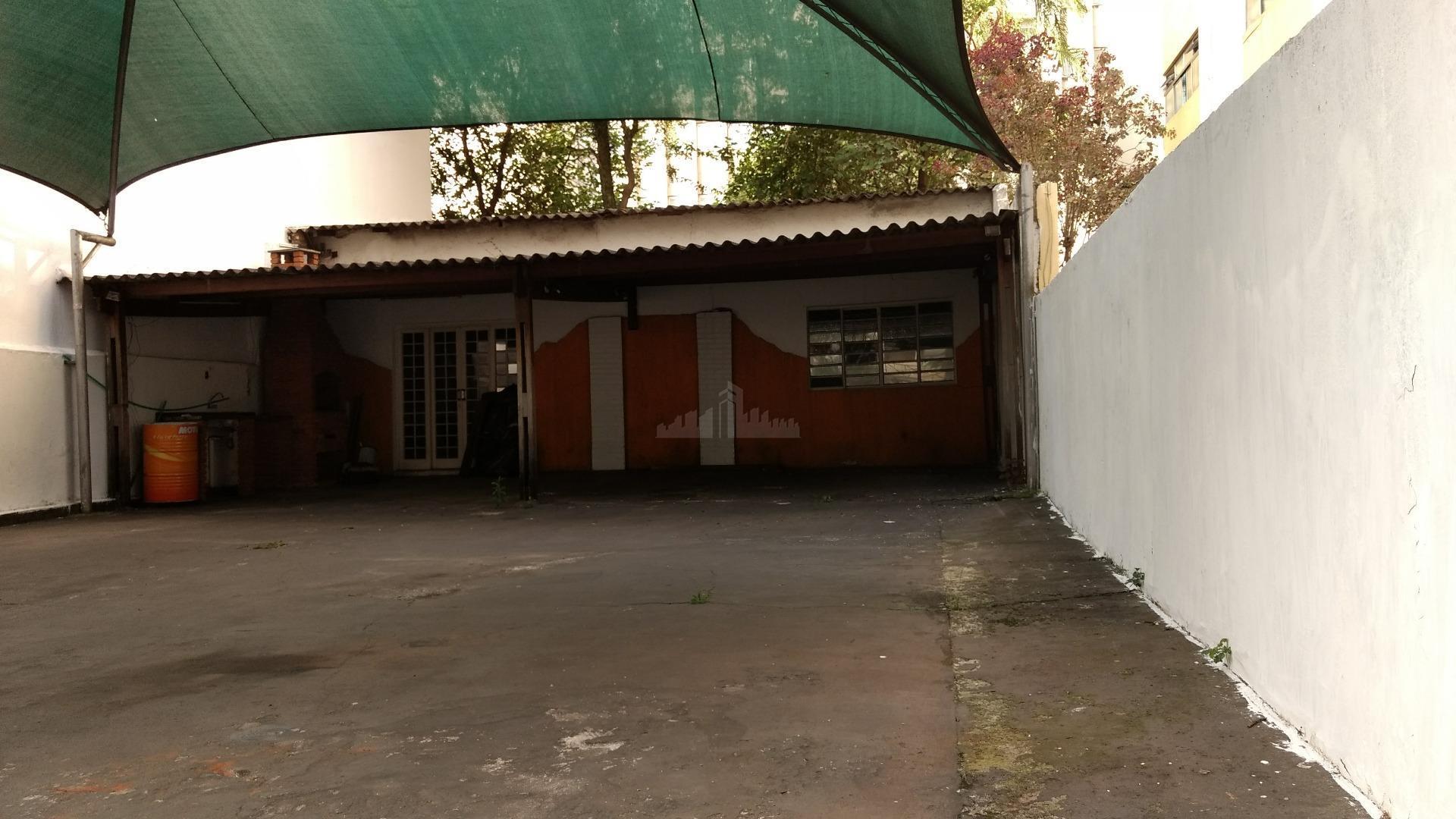 terreno a venda de 200 m² , 10 x 20 , construído nos fundos uma edicula...