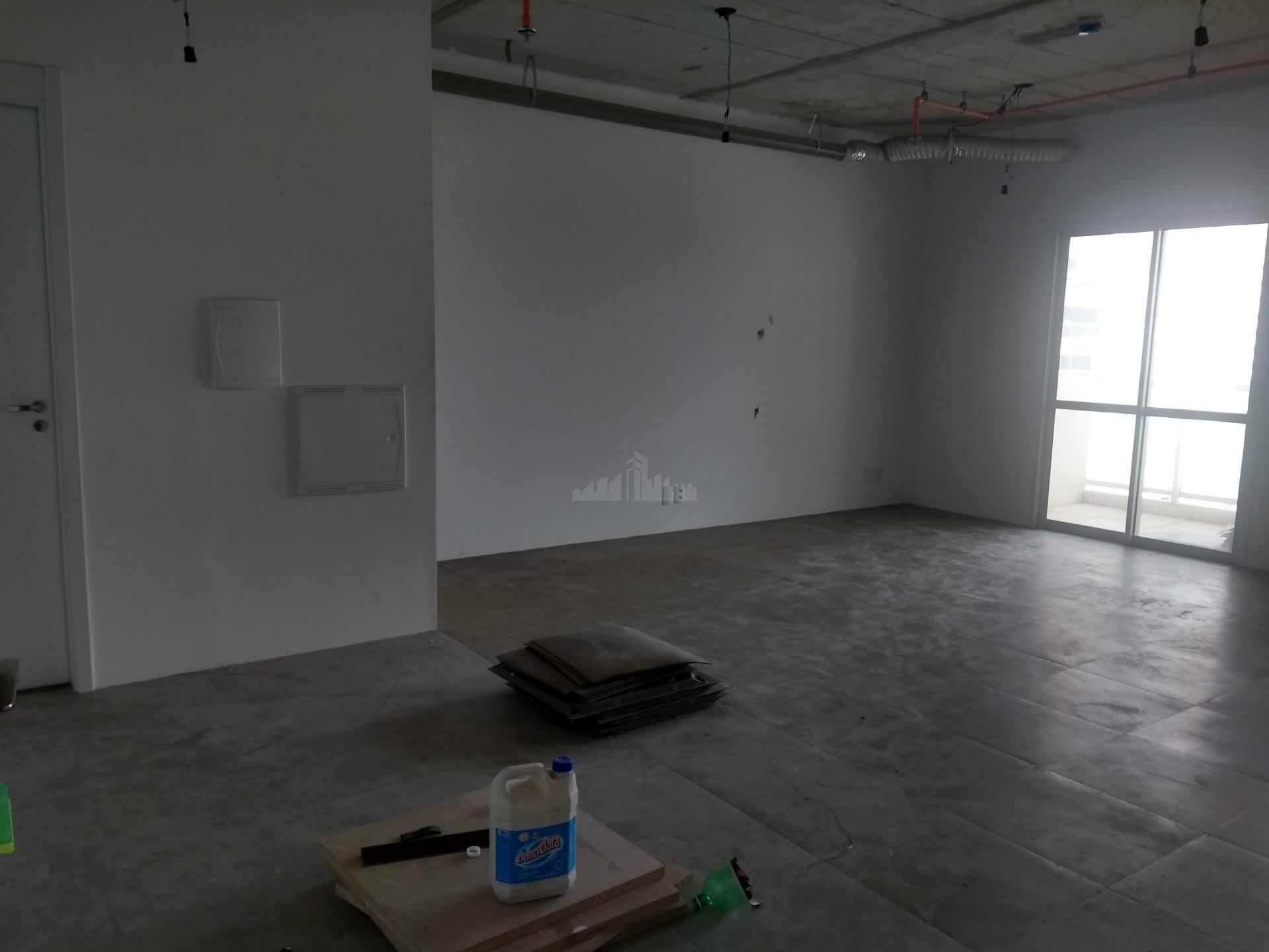 sala comercial, no estado como a construtora entregou, proprietário se prontifica em fazer a obra de...