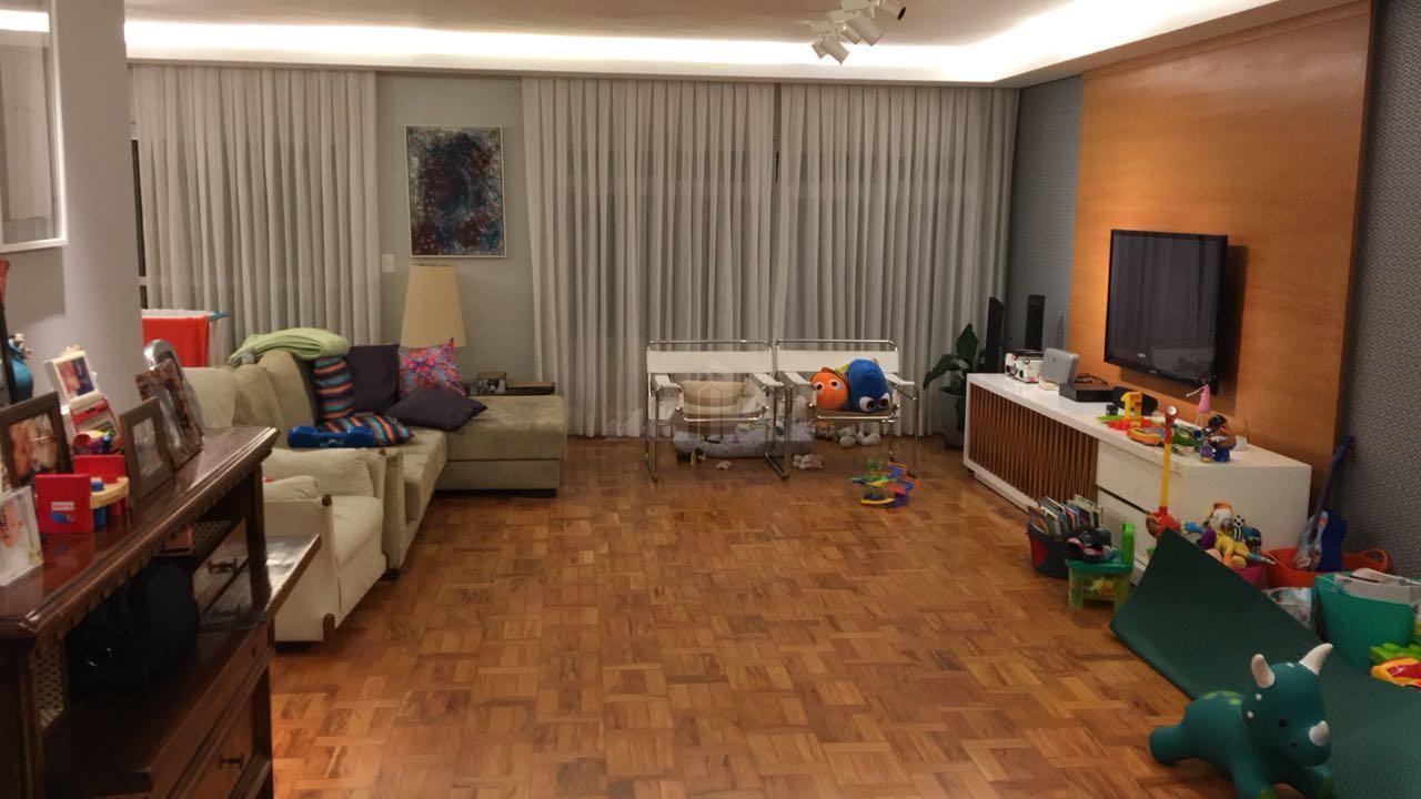 Apartamento de 187,00 m² , 3 dormitórios , 1 suíte no Itaim Bibi