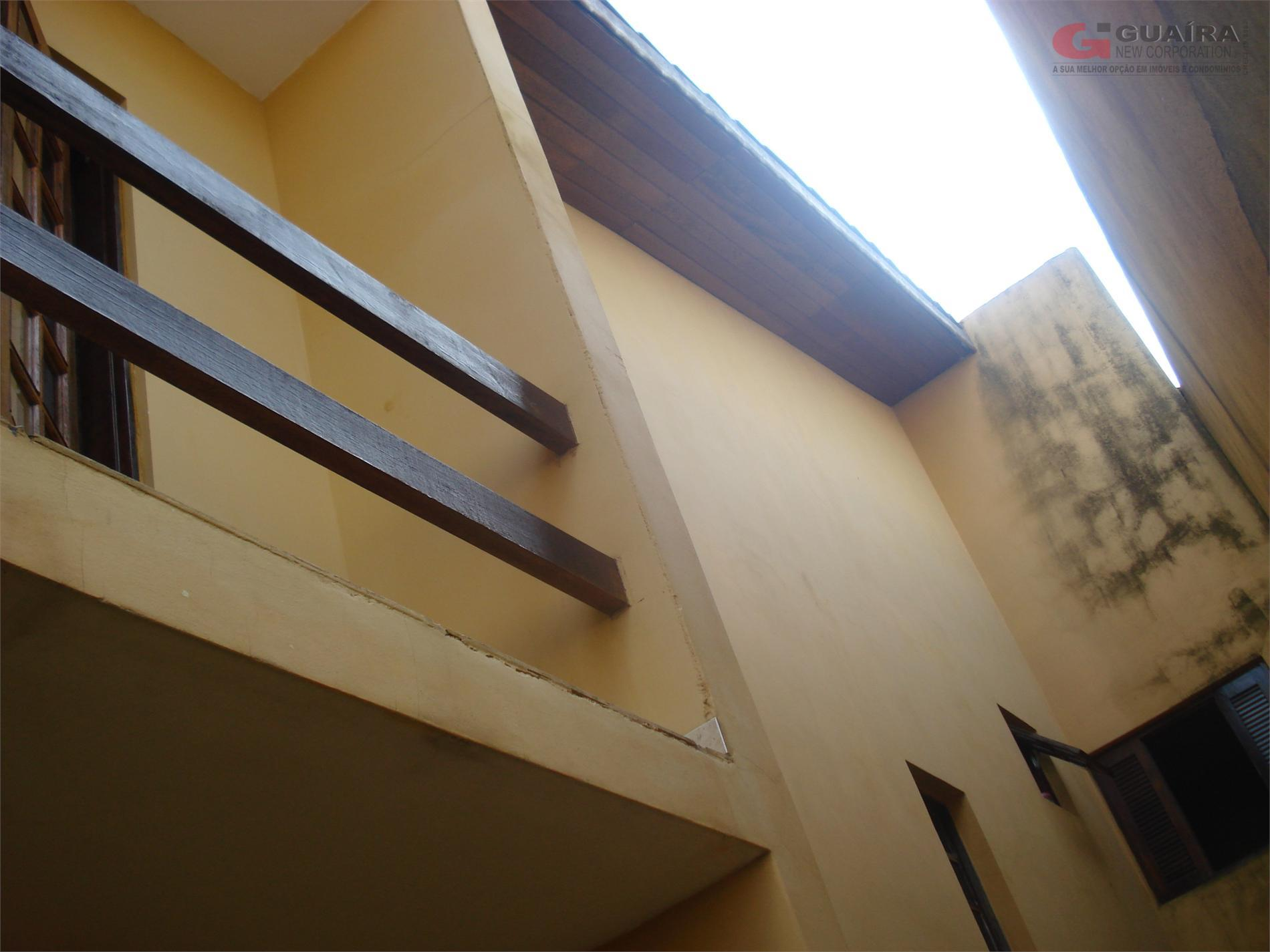Sobrado de 3 dormitórios em Jardim Teles De Menezes, Santo André - SP