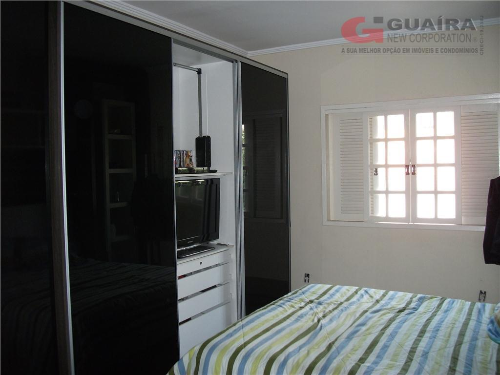 Sobrado de 4 dormitórios em Jardim Canhema, Diadema - SP