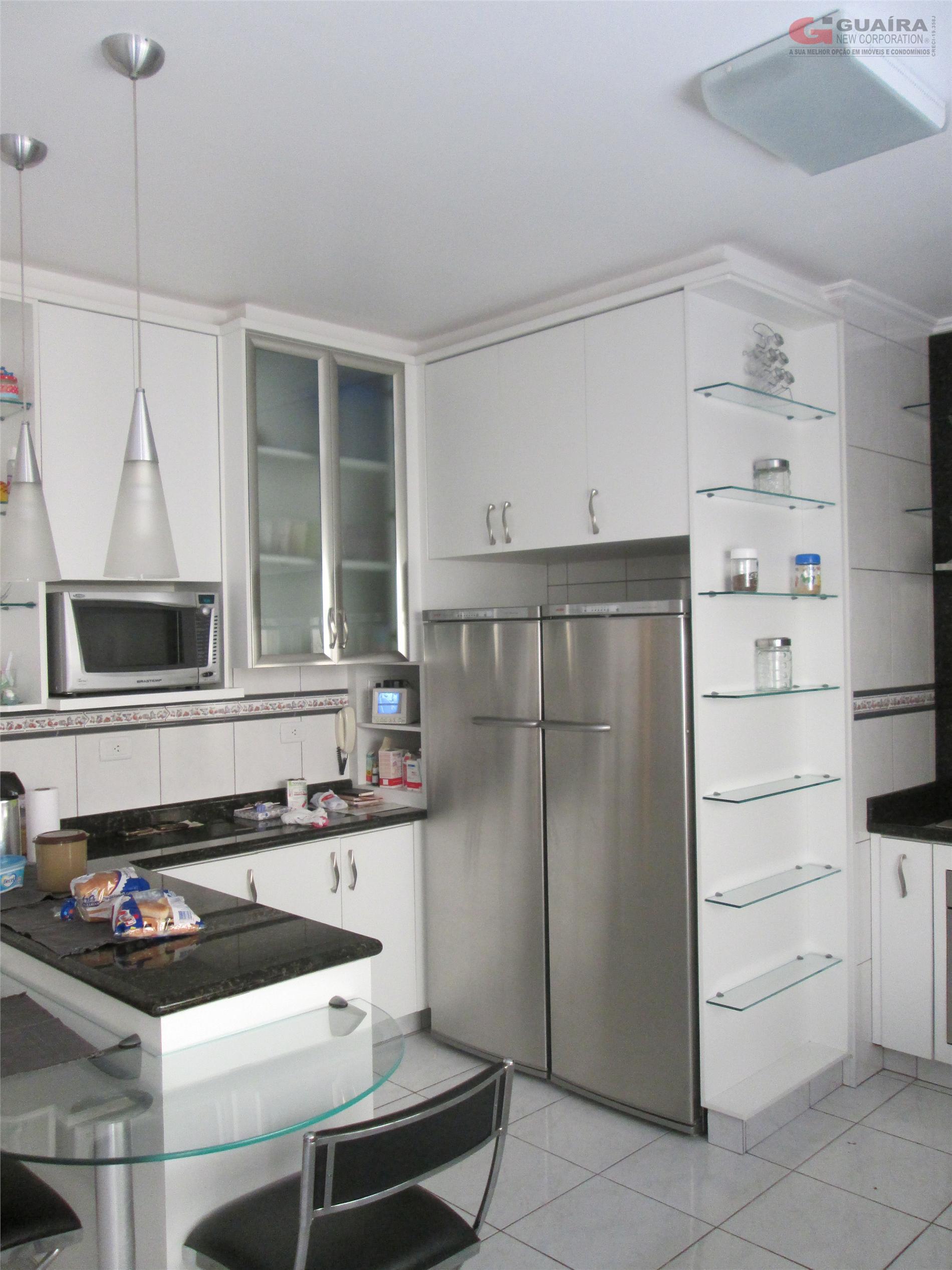 Casa de 3 dormitórios em Campestre, Santo André - SP