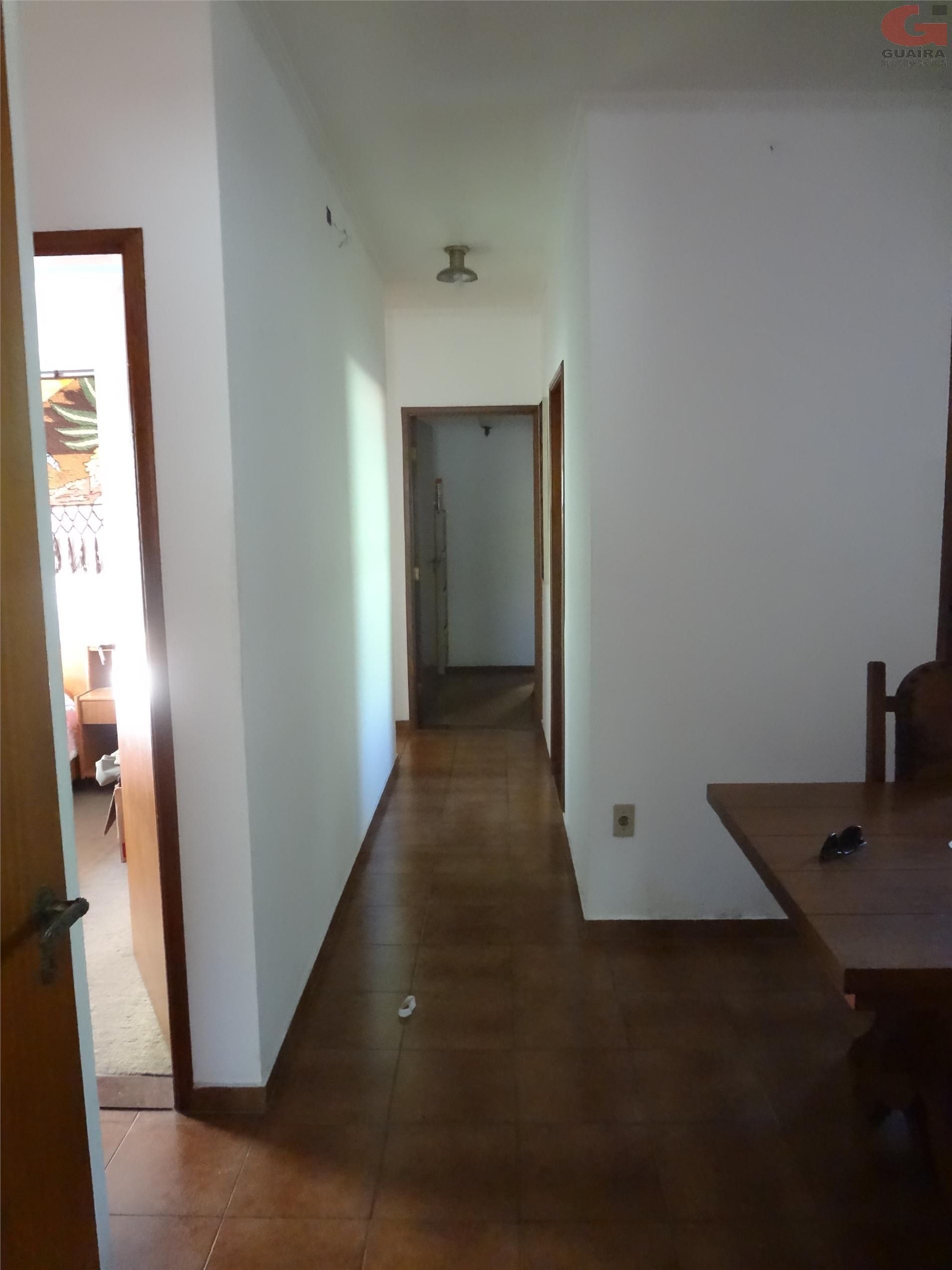 Casa de 3 dormitórios à venda em Vila Scarpelli, Santo André - SP