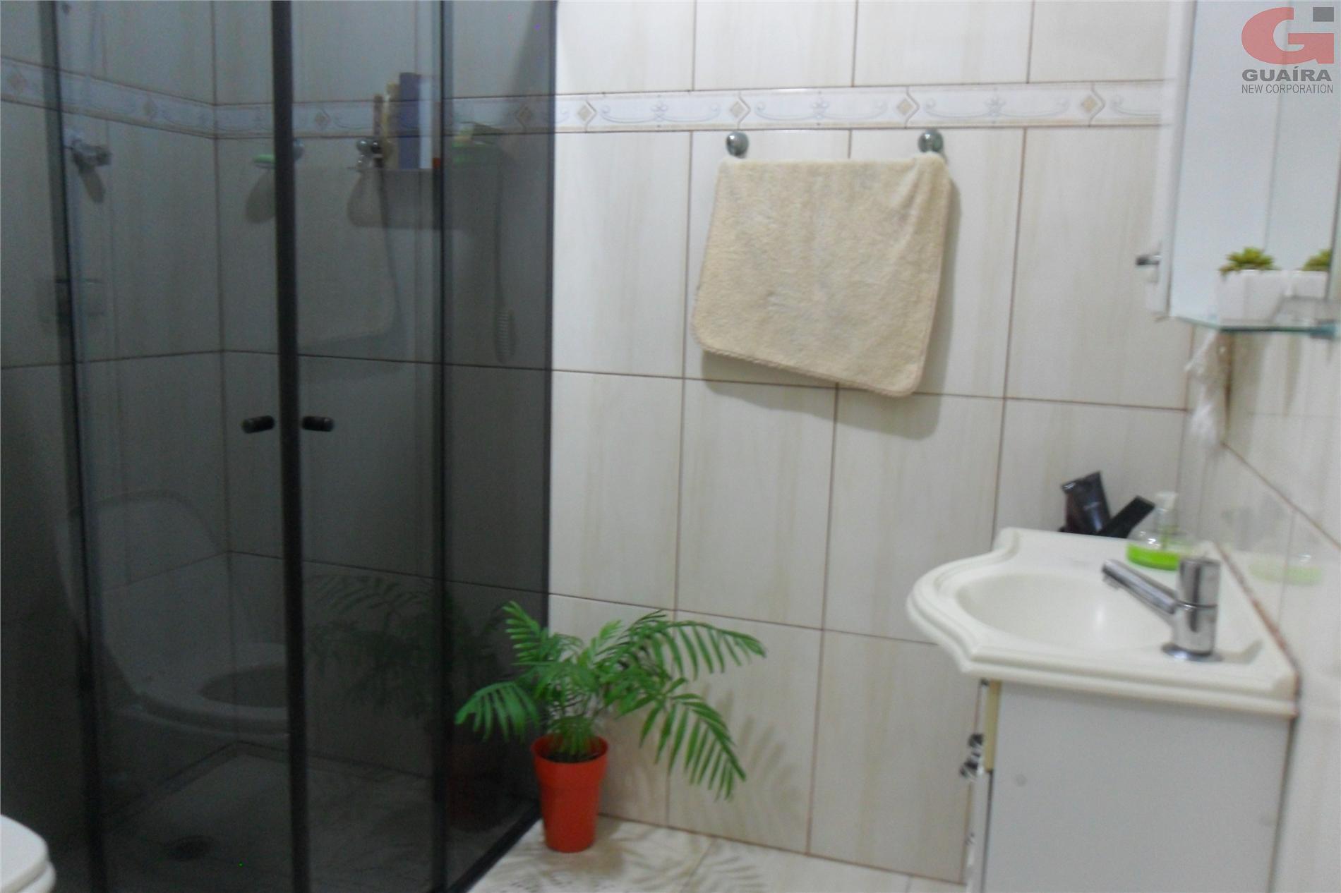 Casa de 2 dormitórios em Vila Linda, Santo André - SP