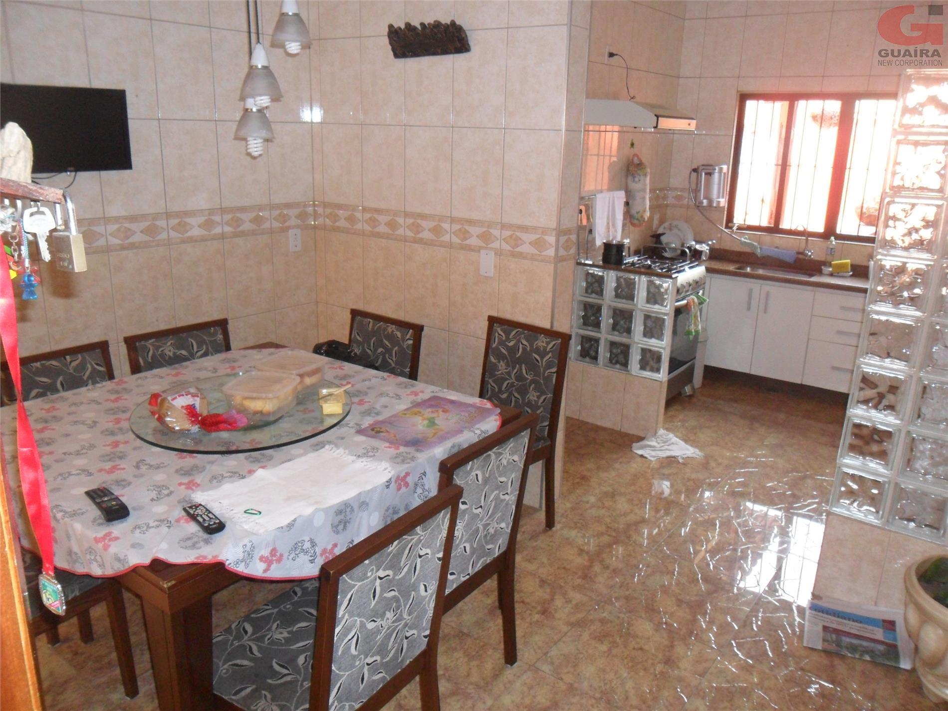 Sobrado de 4 dormitórios em Vila Linda, Santo André - SP