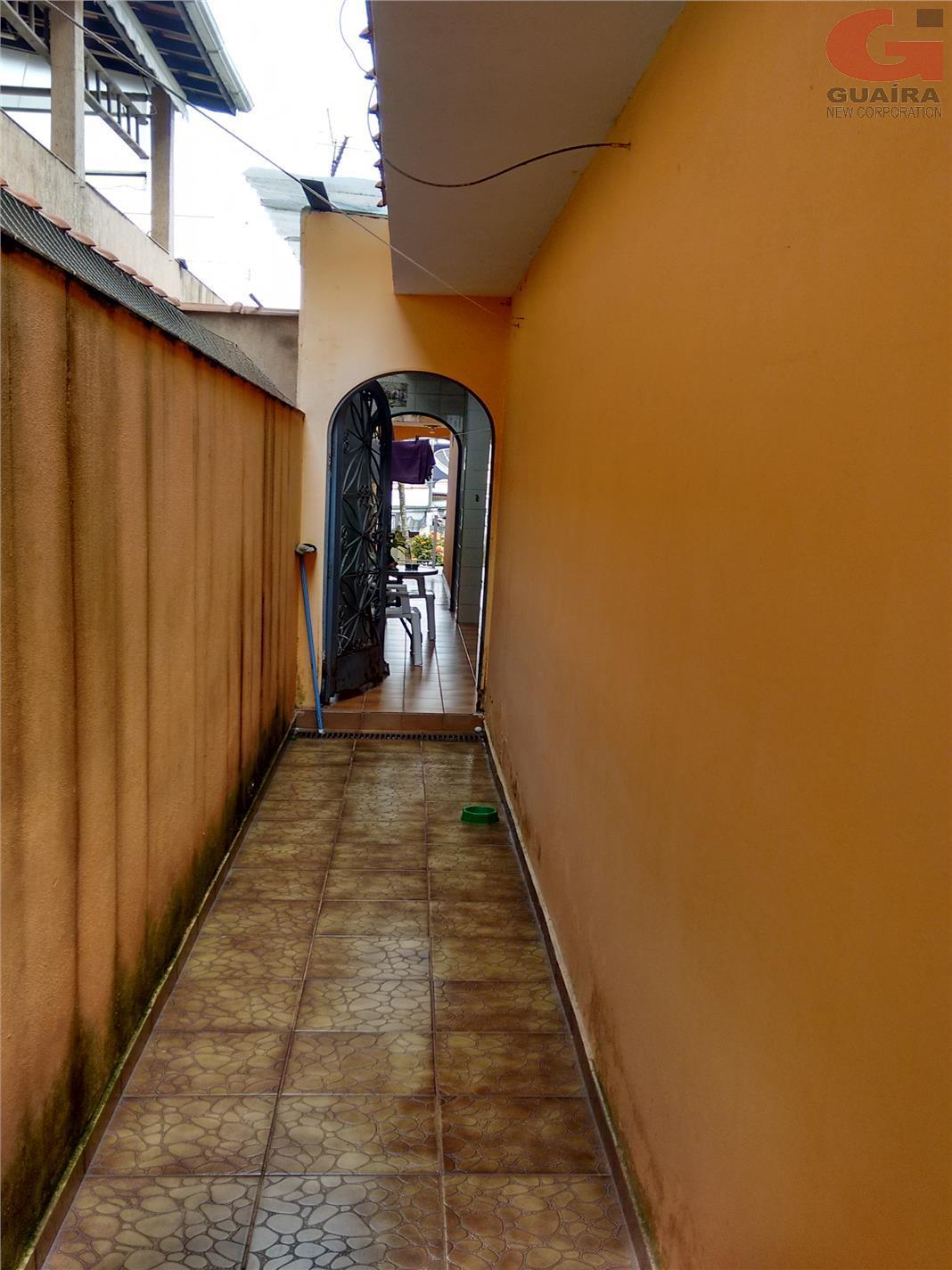 Casa de 2 dormitórios à venda em Jardim Teles De Menezes, Santo André - SP