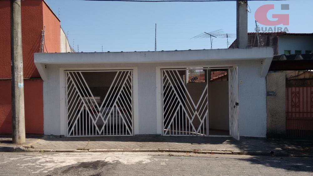 Casa de 2 dormitórios em Vila Bastos, Santo André - SP