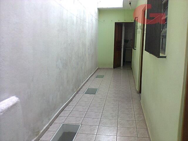 Casa de 2 dormitórios em Jardim Oriental, Santo André - SP