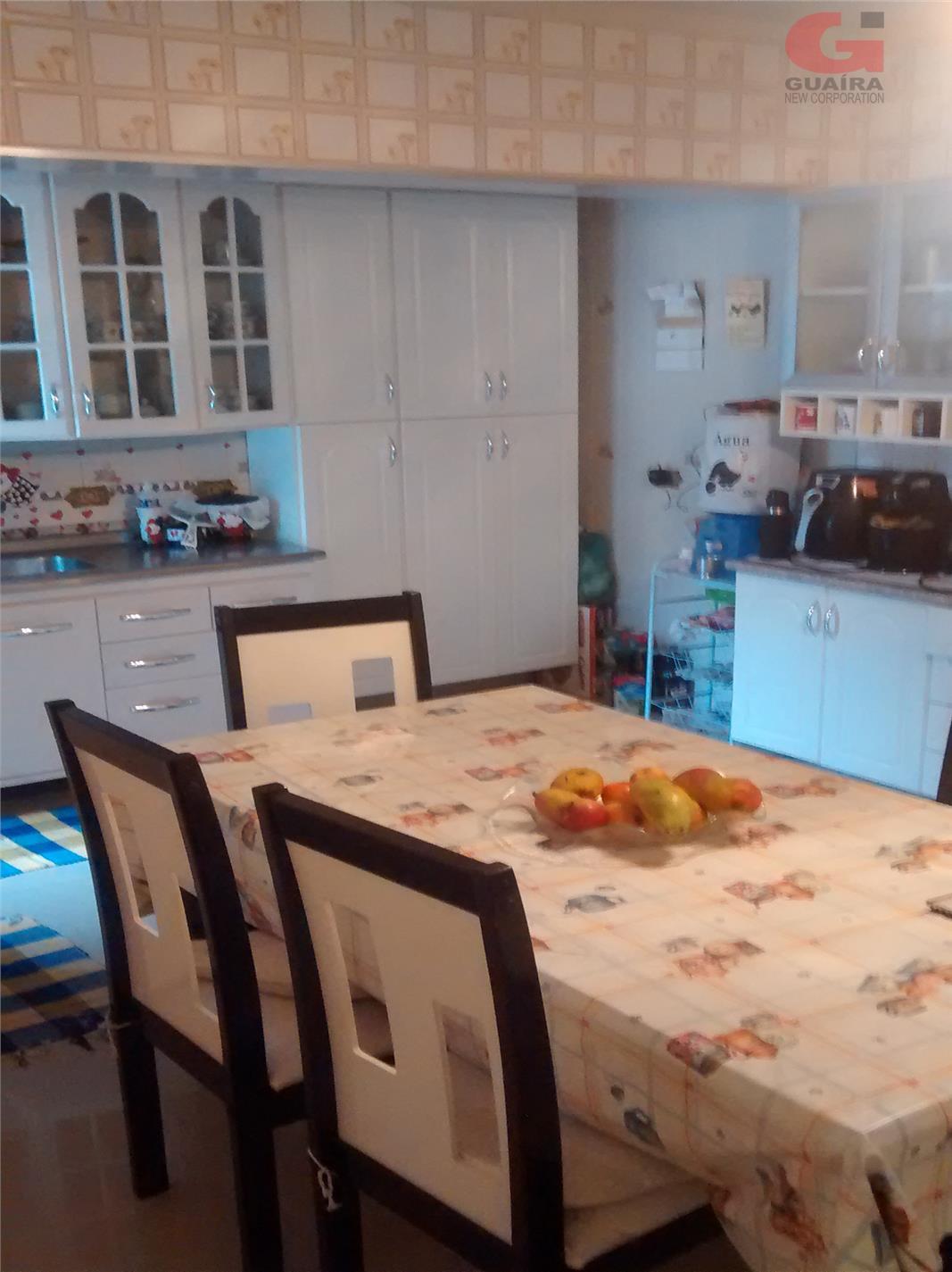 Casa de 4 dormitórios em Vila Linda, Santo André - SP