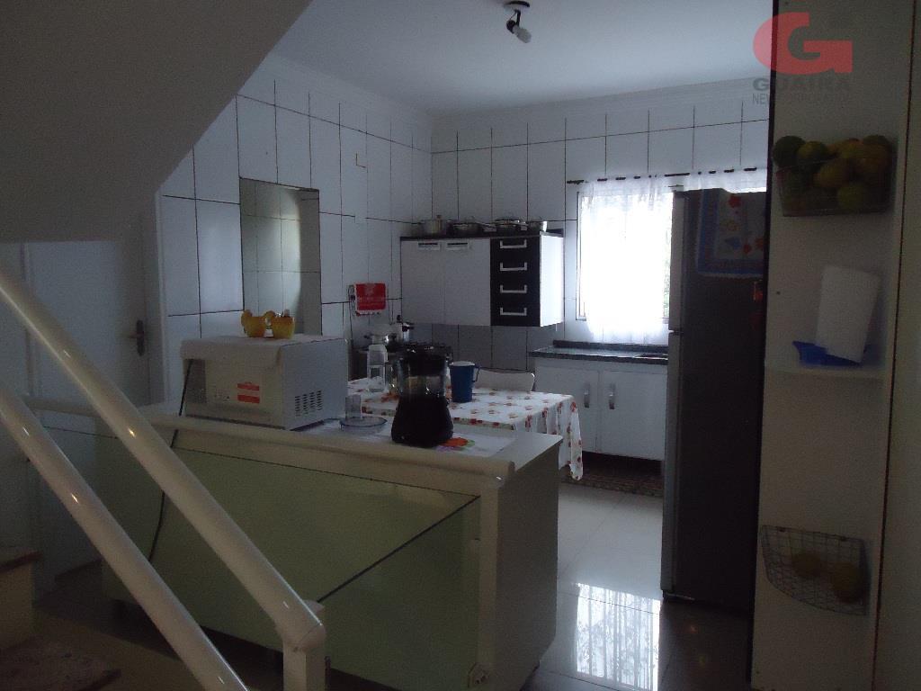 Sobrado de 3 dormitórios em Parque São Vicente, Mauá - SP