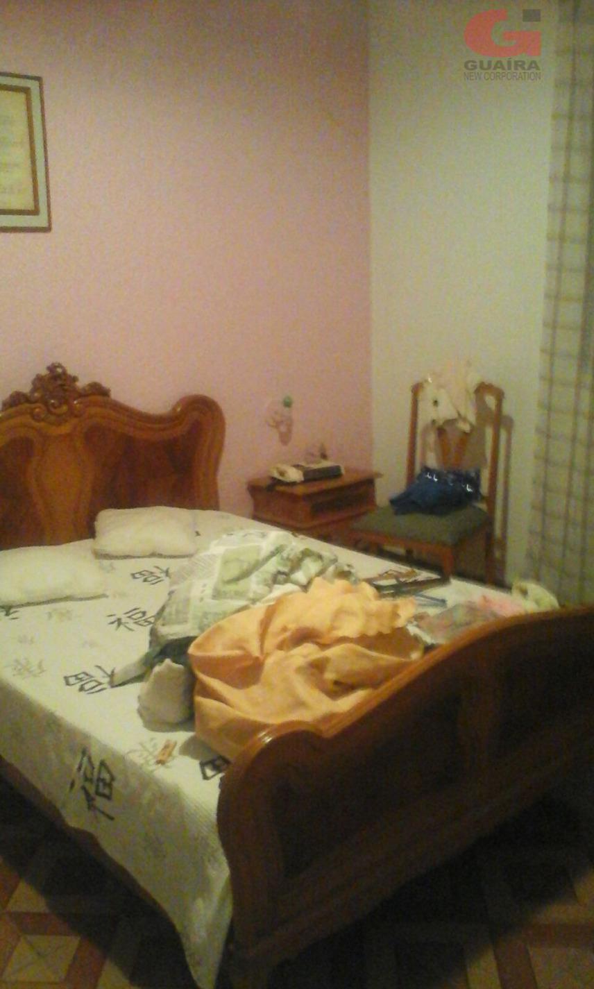 Casa de 3 dormitórios em Vila Scarpelli, Santo André - SP