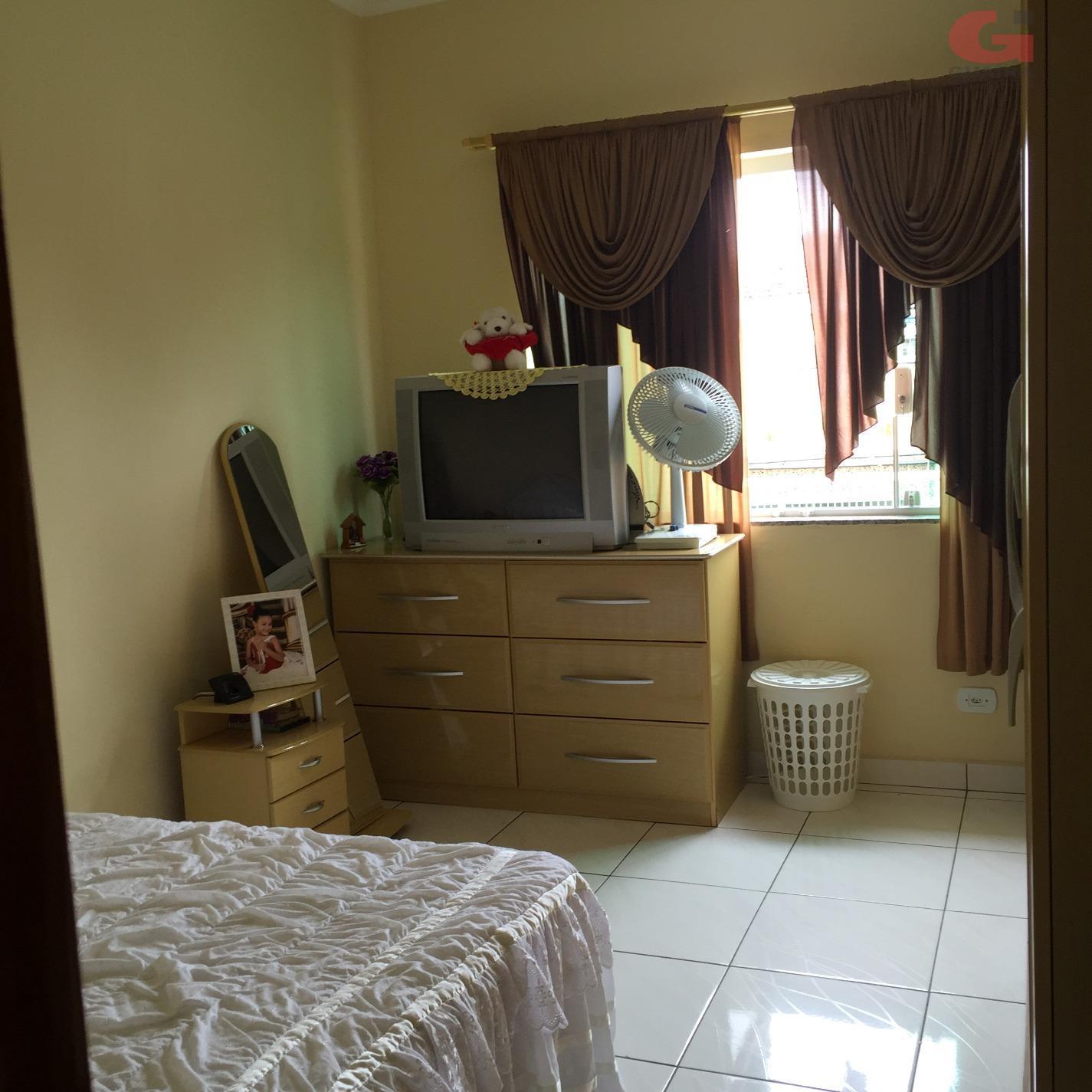 Casa de 2 dormitórios em Vila Palmares, Santo André - SP