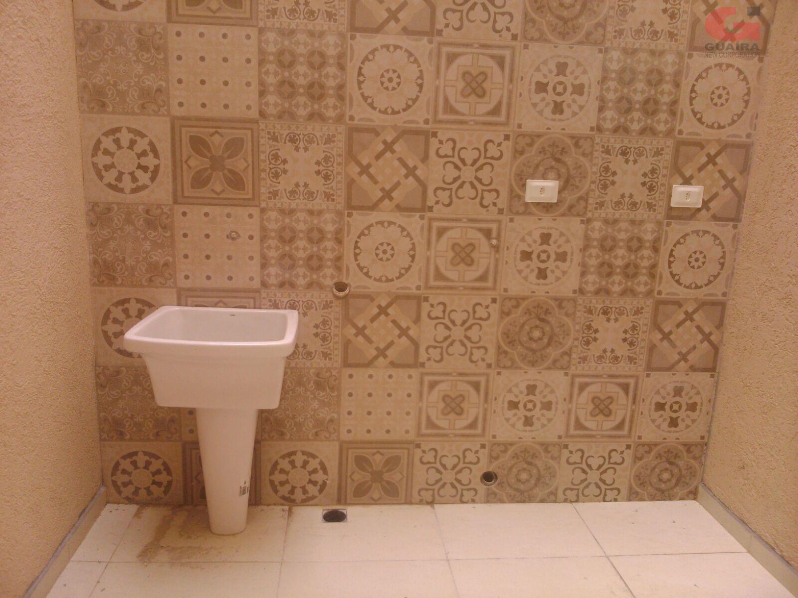 Apartamento de 2 dormitórios em Jardim Teles De Menezes, Santo André - SP