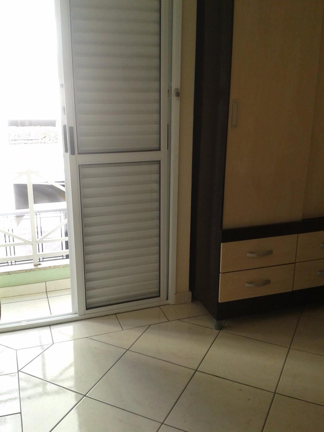 Sobrado de 3 dormitórios em Vila Gilda, Santo André - SP