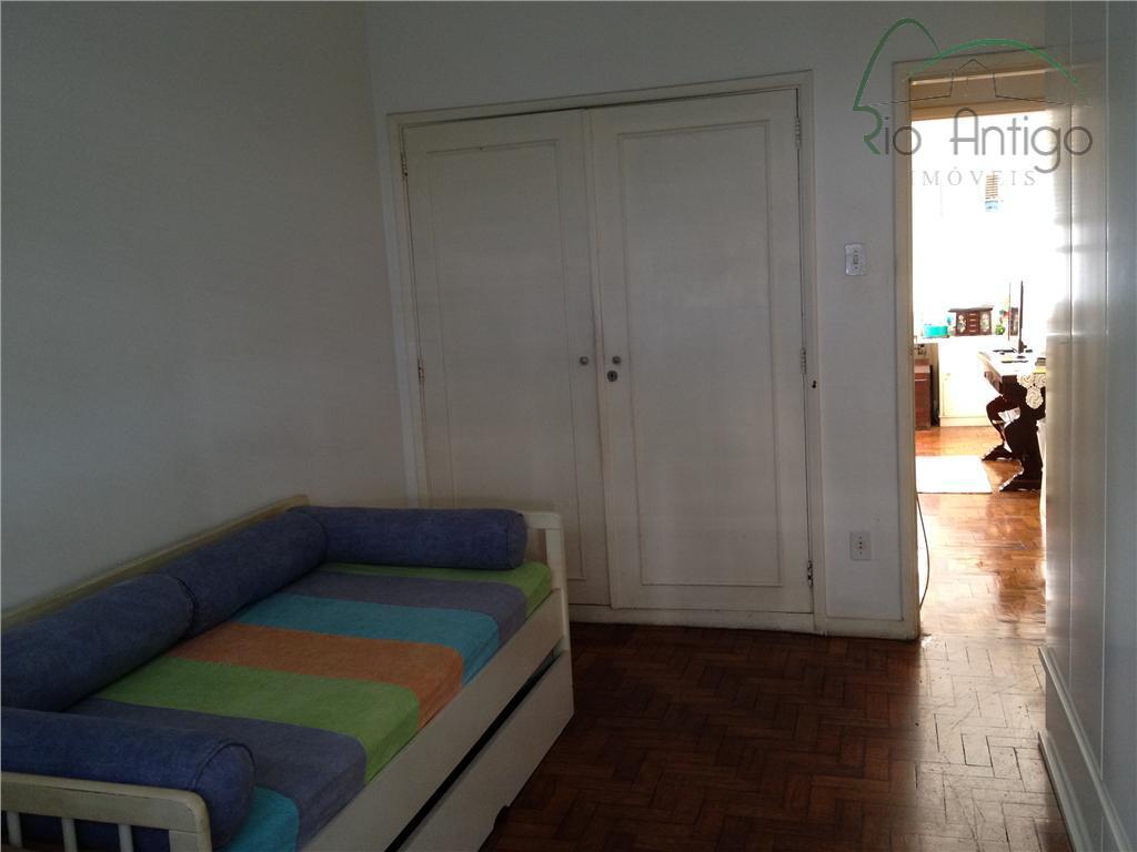 rua assis brasil ao lado da estação do metrô cardeal arcoverde. apartamento com salão em 02...